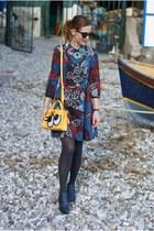 yellow PLAYNOMORE bag - magenta Max & Co dress - blue giancarlo paoli flats