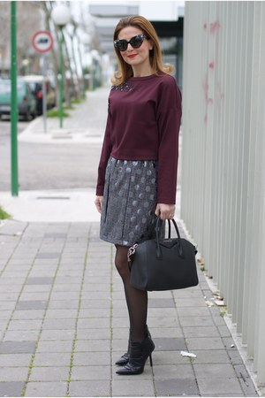charcoal gray polka dot JIJIL skirt - black cesare paciotti shoes