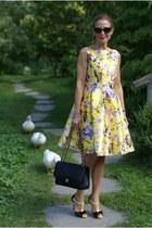 black Chanel belt - yellow zaful dress - black Moschino sunglasses