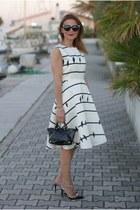 black le solim bag - white Chicwish dress - black Dsquared2 sunglasses