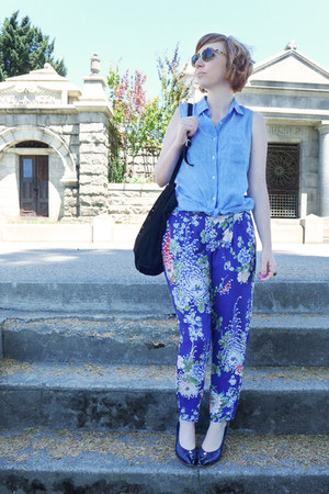 blue printed silk Zara pants - vintage sunglasses