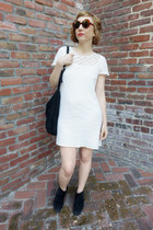 gili Aldo boots - cotton gauze thrifted vintage dress - mod vintage sunglasses