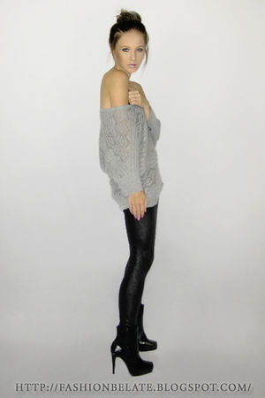 gray Avocado top - gray Valley Girl tights - black new look boots