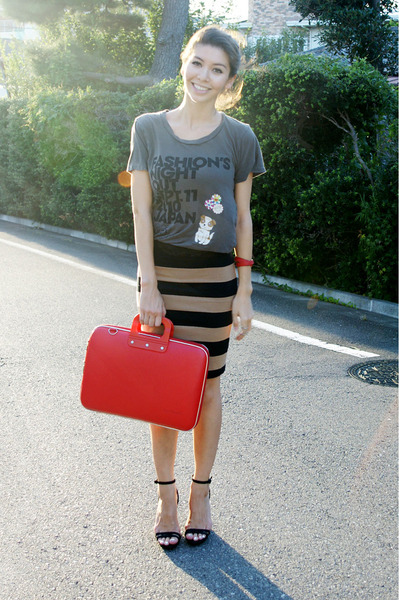 black pencil skirt Forever 21 skirt - red laptop case Bombata bag