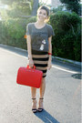Red-laptop-case-bombata-bag-black-pencil-skirt-forever-21-skirt