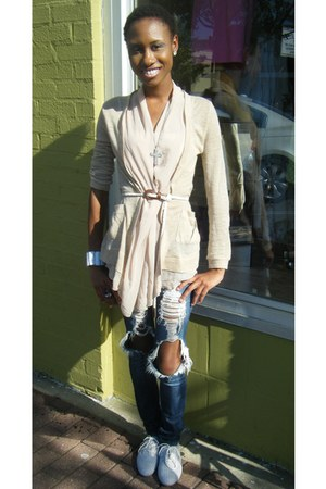 blue Miley Cyrus jeans - camel Forever 21 cardigan - silver Forever 21 necklace