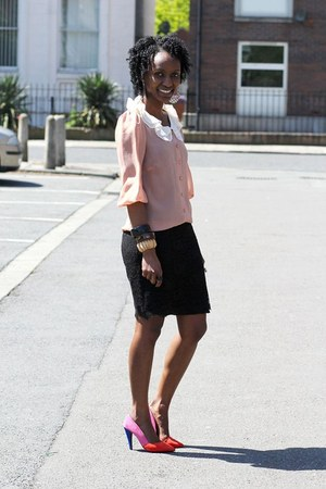 peach blouse - bangles bracelet - black lace skirt skirt - heels