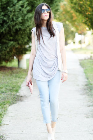 gray Urban Revisions top - blue H&M leggings - white Ports 1961 vest - beige Ald