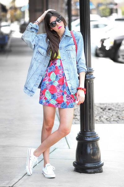 denim Modekungen jacket - Motel skirt - Converse sneakers