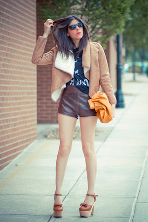 shearling Mink Pink jacket - abercrombie and fitch shorts - Whitley Kros t-shirt