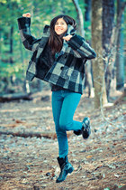 plaid cape vintage coat - Chinese Laundry boots