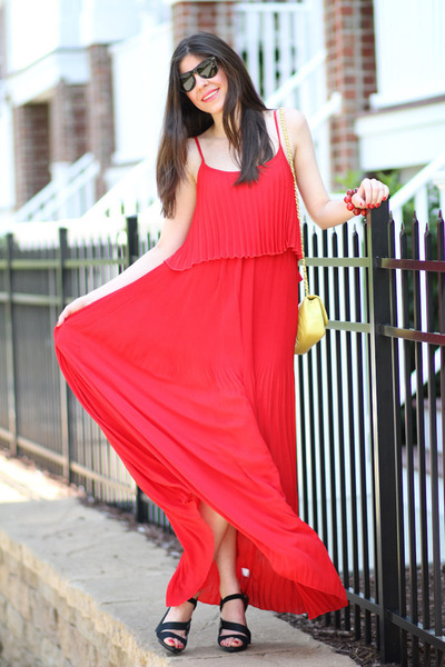 Chanel bag - Love Clothing dress - Ray Ban sunglasses - LAMB sandals