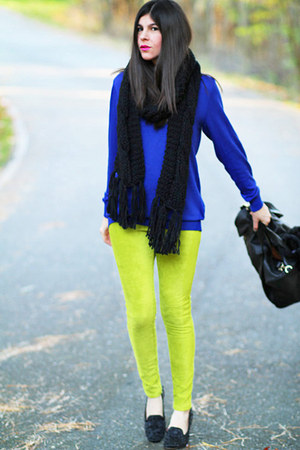 H&M Trend scarf - American Apparel sweater - HUE leggings