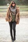Topshop-boots-faux-fur-h-m-coat-hudson-jeans-maisonette-1977-scarf