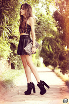 black 2dayslook top - black GoodNight Macaroon skirt