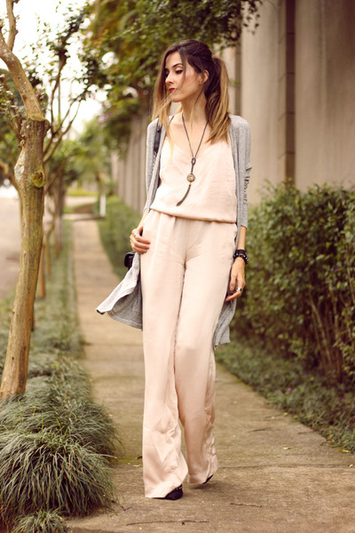 Cream-shoulder-romper-silver-hye-park-and-lune-cardigan