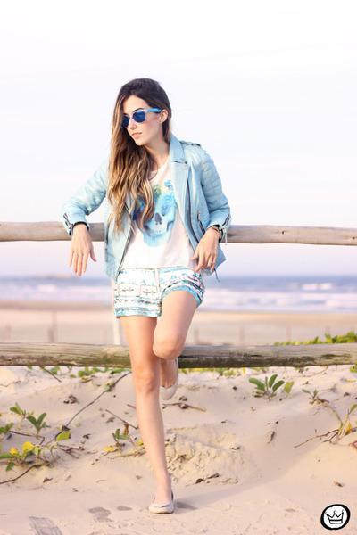 blue zeroUV sunglasses - sky blue Boda Skins jacket - white awwdore t-shirt