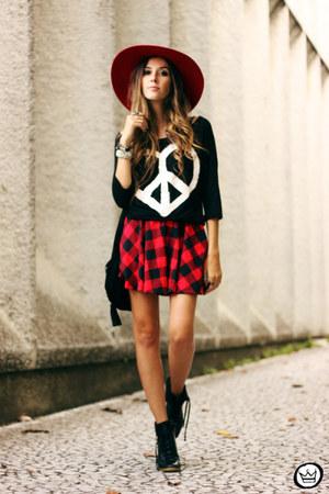 red Love Luxo skirt