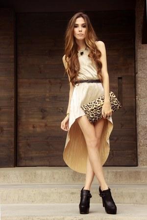 cream gold Ville Rose dress - black asos shoes