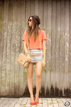 orange Dafiti shirt