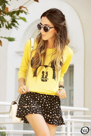yellow Displicent jumper