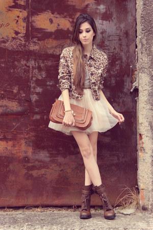 light brown leopard Modaki jacket - gold Slash Store necklace