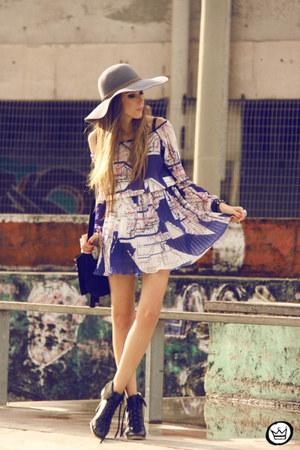 navy Lafê dress