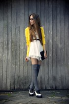 yellow Espao 1098 cardigan - white Chicwish dress
