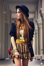 Romwe-hat-kafé-bracelet-awwdore-skirt