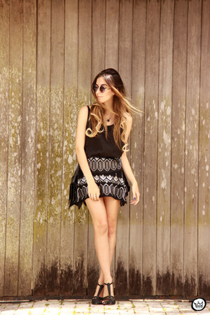 black Moikana skirt