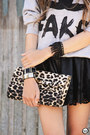 Black-goodnight-macaroon-skirt-black-kafé-acessórios-bracelet
