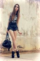 black Modaki shorts - heather gray romwe shirt - black Lokanda necklace