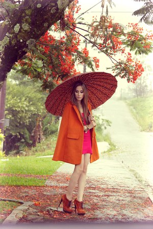 orange romwe cape - hot pink Brech da Neide dress