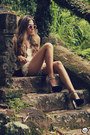 Beige-lace-chicwish-shorts-tan-spektre-sunglasses-black-asos-heels