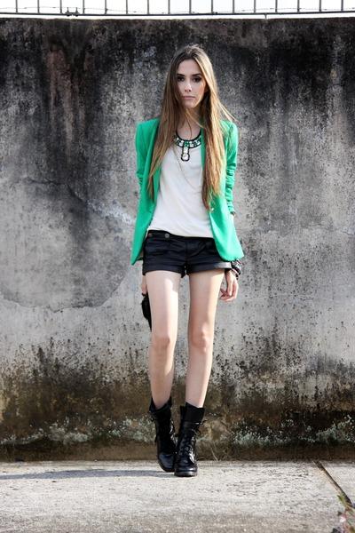 janelle necklace - Zara blazer - Tally Weijl shorts