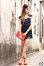 Navy-antix-dress-gold-nina-bruni-necklace