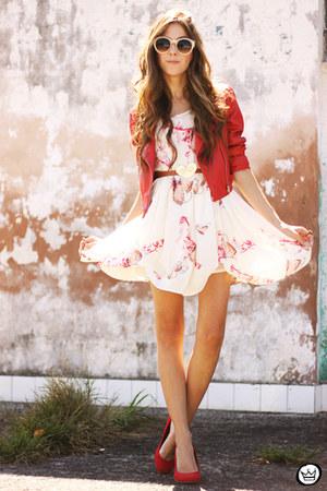 ruby red Modaki jacket - white Amelie Allure dress