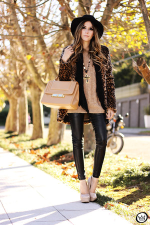 dark brown Choies coat - black romwe leggings