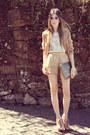 Tan-xiquita-bakana-shorts-white-sequins-romwe-vest-eggshell-kaf-bracelet