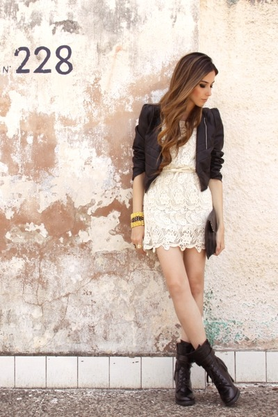 ivory lace romwe dress - gold Maria Cereja bracelet
