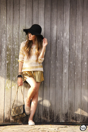 neutral romwe jumper