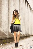 yellow Shoulder top