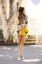yellow Eloecom coat