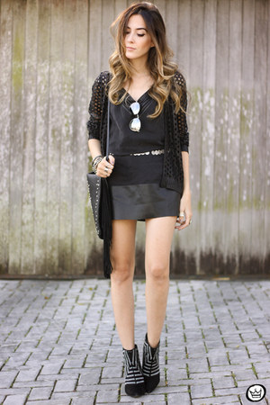 black Shoulder dress - black Shoulder cardigan