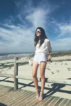 white romwe shorts - white Moikana top
