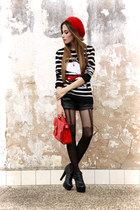 black snoopy Ville Rose sweater - red beret Ville Rose accessories