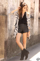 ivory Displicent coat - dark gray romwe shorts