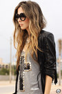 Black-zerouv-sunglasses-black-kafé-bracelet-black-wear-ever-skirt