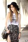 Black-choies-hat-white-mary-must-t-shirt-gray-mary-must-skirt
