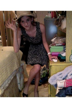 thrifted vintage dress - Target hat - Macys heels